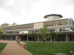 Olin_Library_-_Danforth_Campus_at_Washington_University_in_St._Louis