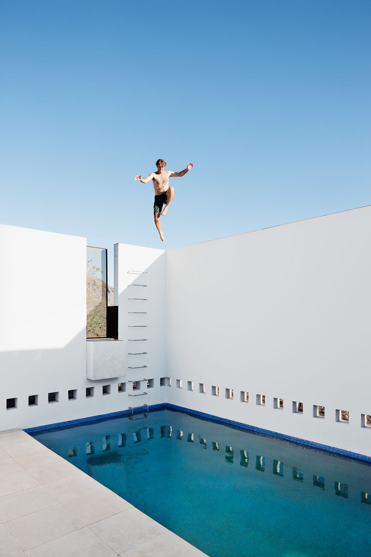 dialogue-house-pool_0